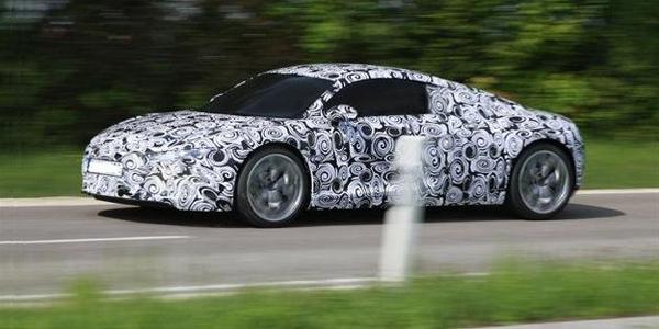 Audi-Etron-spyshot-1