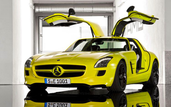 Mercedes-Benz-SLS-AMG-E-Cell-15