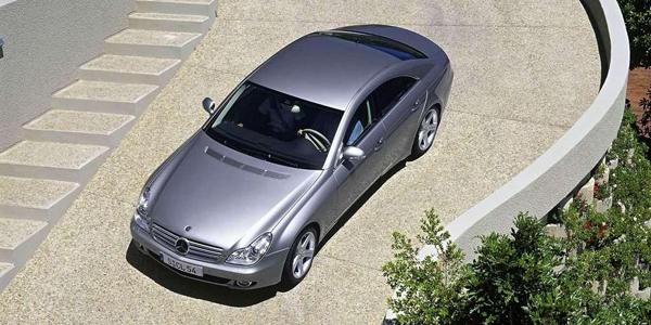 Mercedes-Benz-CLS500_2005_2