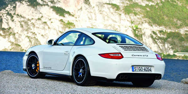Porsche-911_Carrera_GTS_2011_6