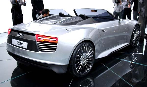 Audi_e-tron_Spyder_2