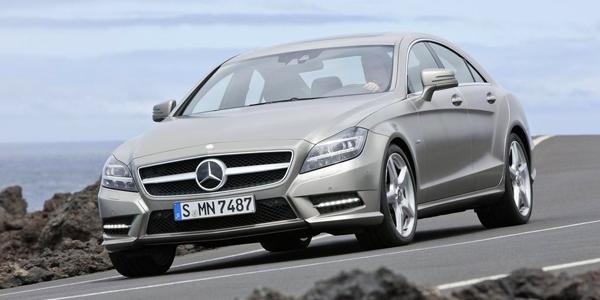 Mercedes-Benz-CLS-Class_2012_10
