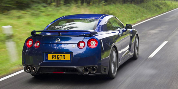 Nissan_GT-R_2011_13