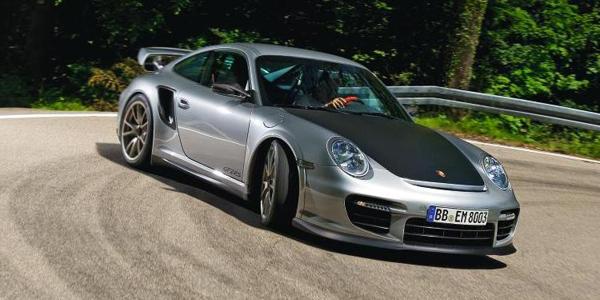 Porsche-911_GT2_RS_2011_101