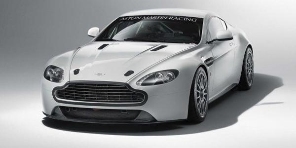 Aston_Martin-Vantage_GT4_2011_1