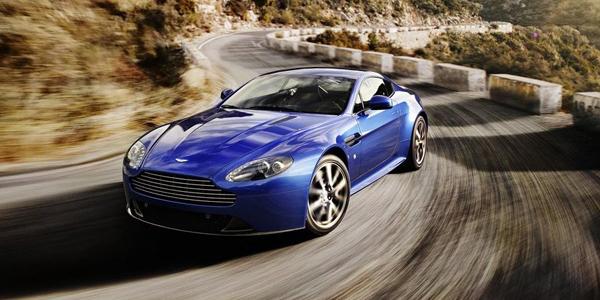 Aston_Martin-V8_Vantage_S_2012_2