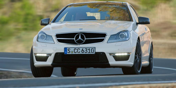 Mercedes-Benz-C63_AMG_Coupe_2012_1