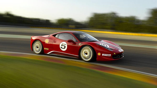 Ferrari-458_Challenge_2011_3