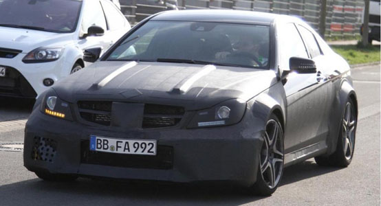 mercedes-benz-c63-amg-coupe-black-series-spy-shots_2