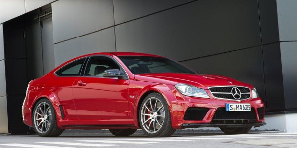 Mercedes-Benz-C63_AMG_Coupe_Black_Series_2012_2