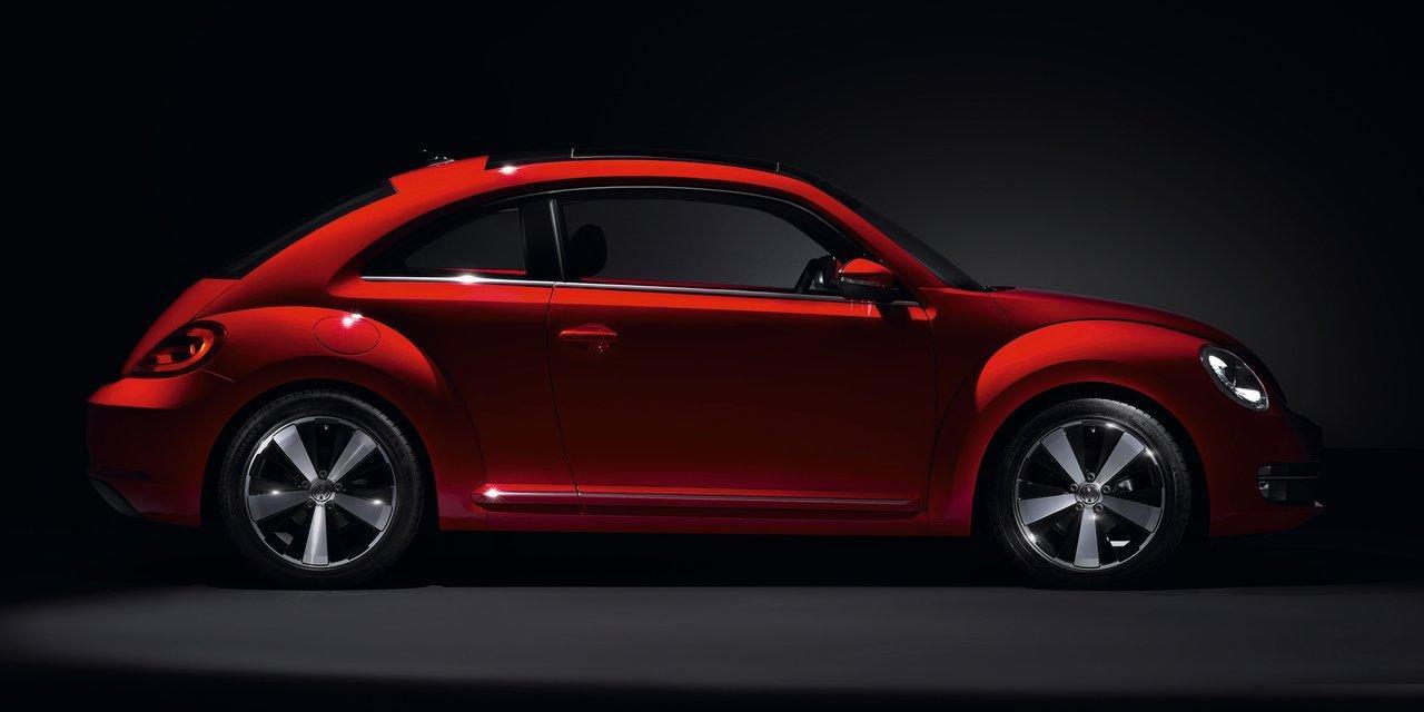 Volkswagen-Beetle_2012_17