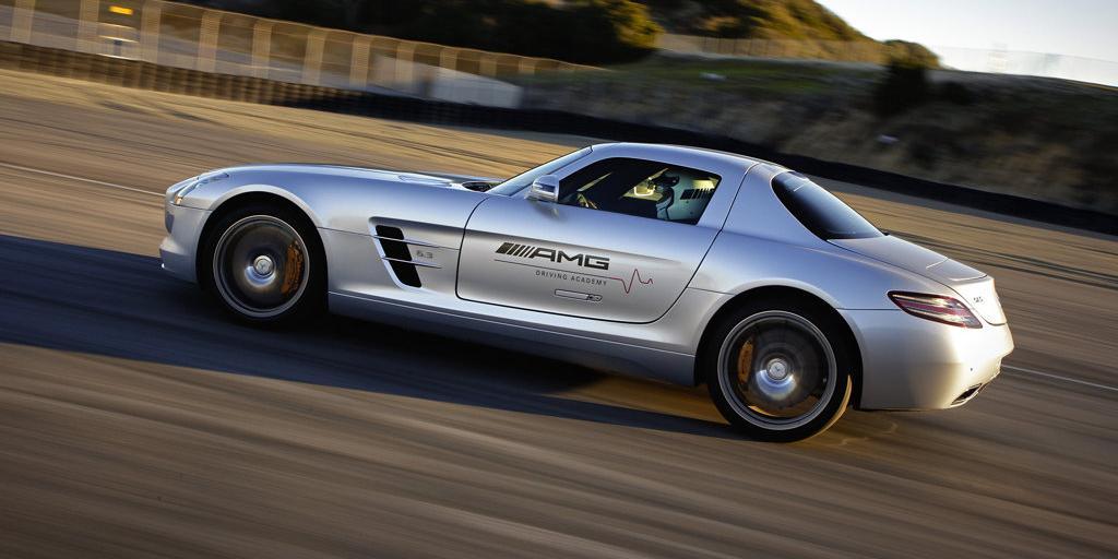 Mercedes-SLS-AMG-35