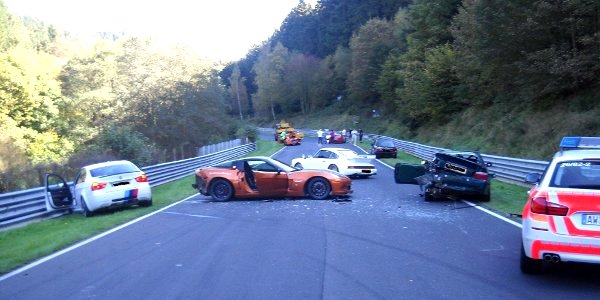 nurburgring-crash-bmw-ring-taxi-hits-rented-corvette-eight-cars-involved-39230_1
