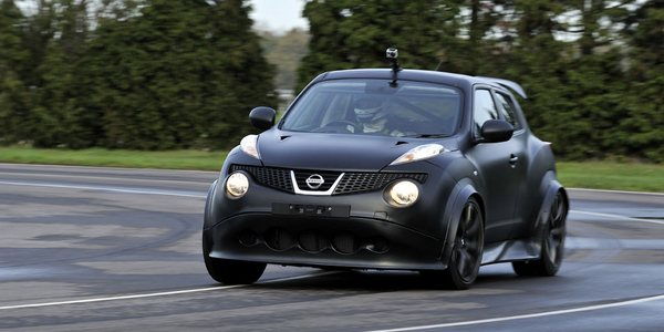 Nissan-Juke-R-69