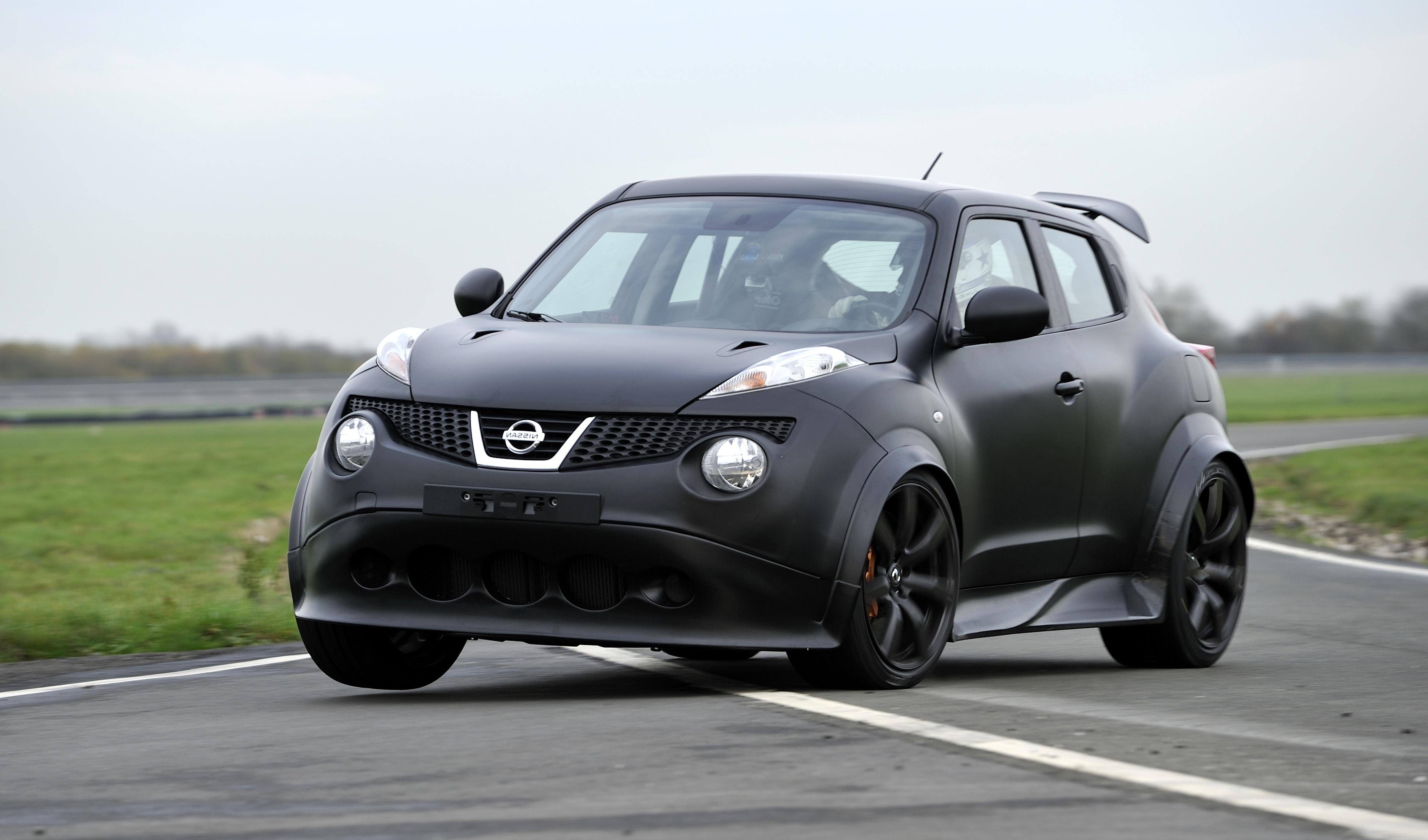 Nissan-Juke-R_1