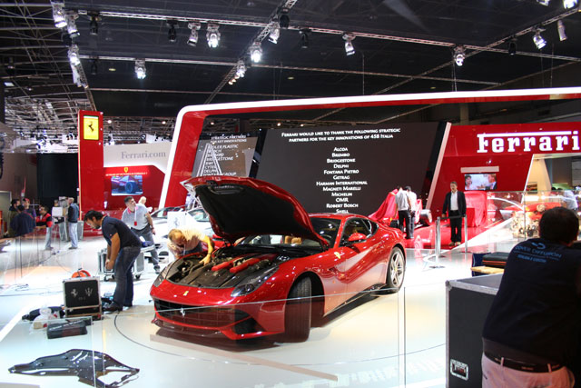 Ferrari-F12-Mondial-Paris-2012