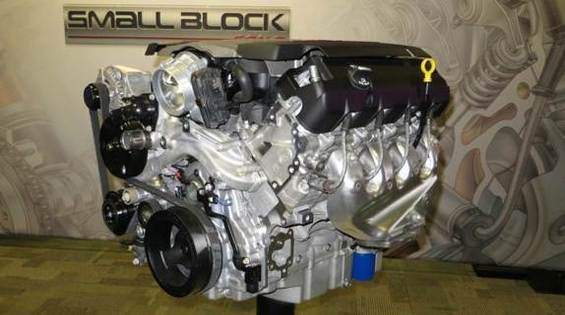 gen-5-lt1-small-block-corvette-engine-on-stand-600-001