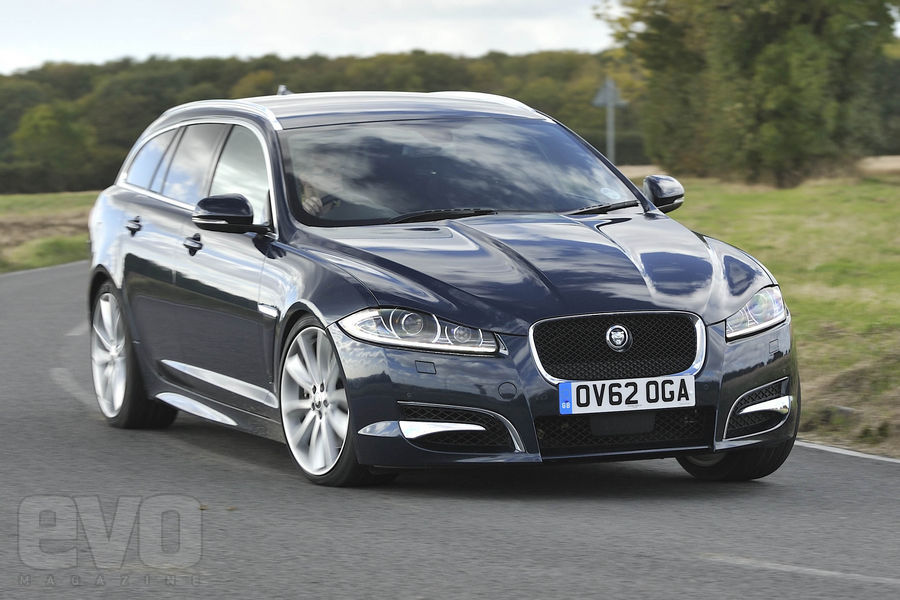 Jaguar XF Sportbrake Diesel S front