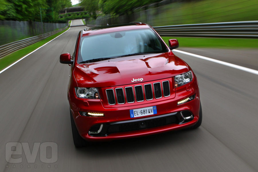 Jeep Grand Cherokee SRT front