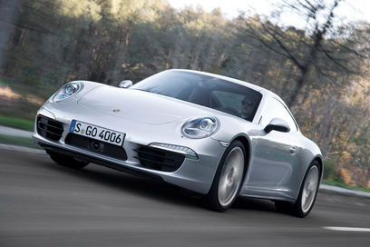 Porsche 911 Carrera 4 front