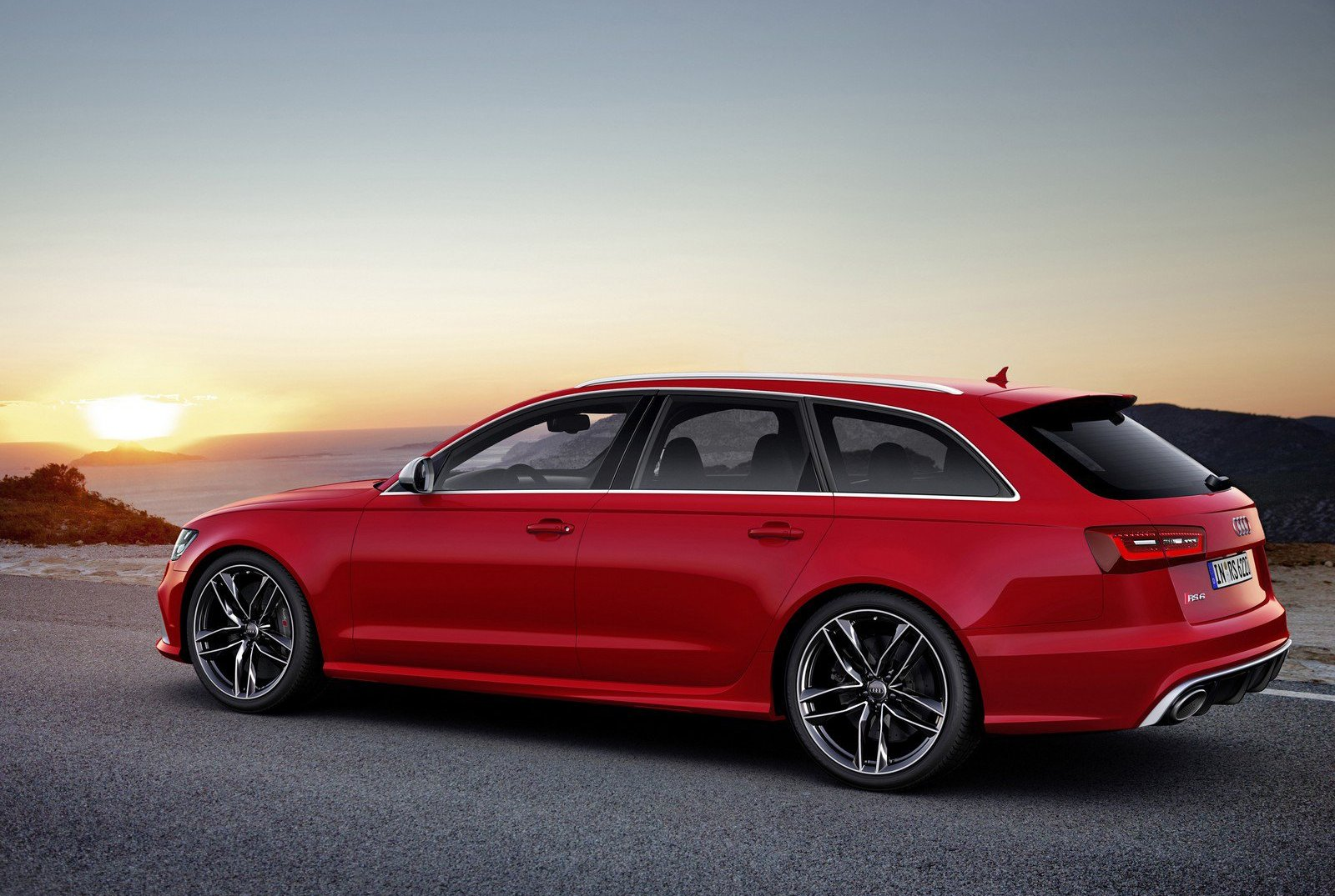 audi rs6 le break avant la berline apr s speedfans. Black Bedroom Furniture Sets. Home Design Ideas