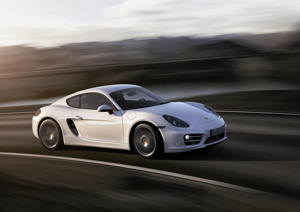 EMBARGO_28.11.12_2030hrs_The_New_Porsche_Cayman_Carrara_White_Cornering
