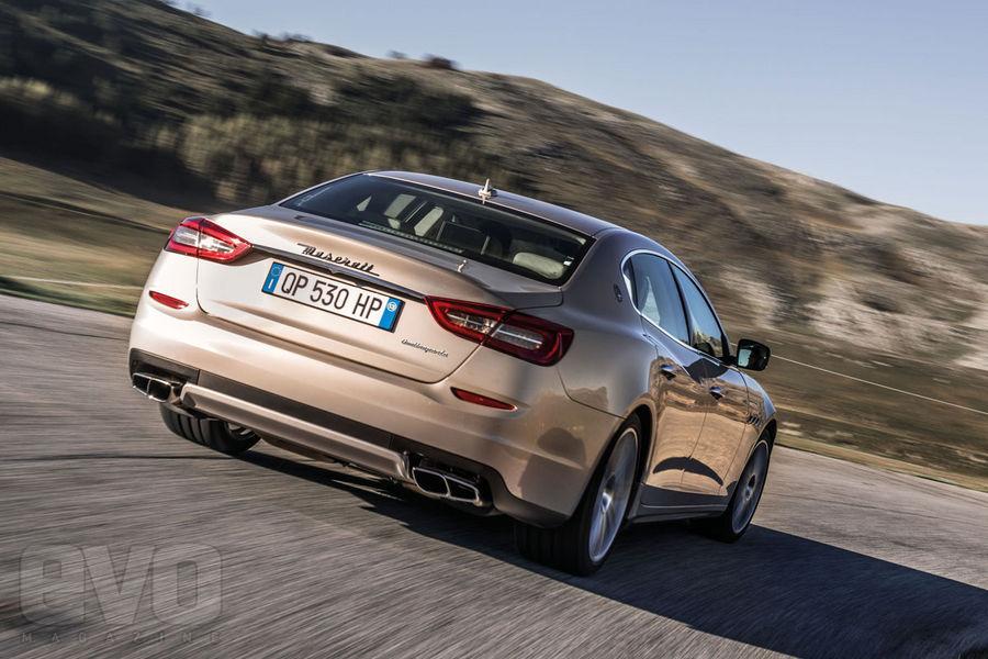Maserati-Quattroporte-back