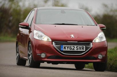 Peugeot 208 1.6L THP front