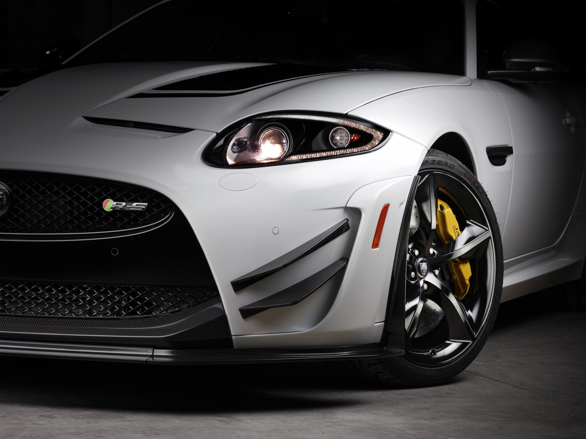 Jag_XKR-S_GT_Image_22_260313