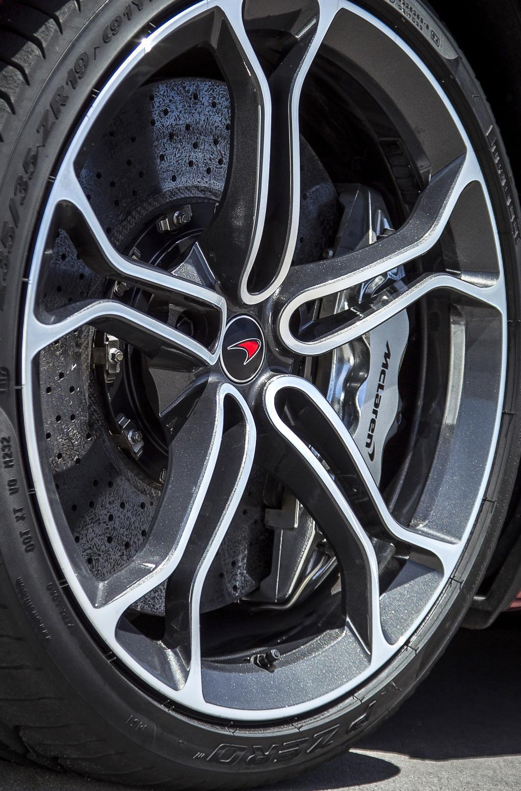 McLaren_12C_2013MY-117