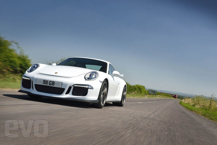 991 GT3 travelling