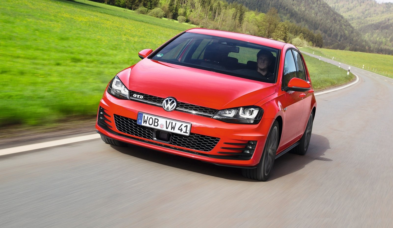 Volkswagen-Golf_GTD_2014_7