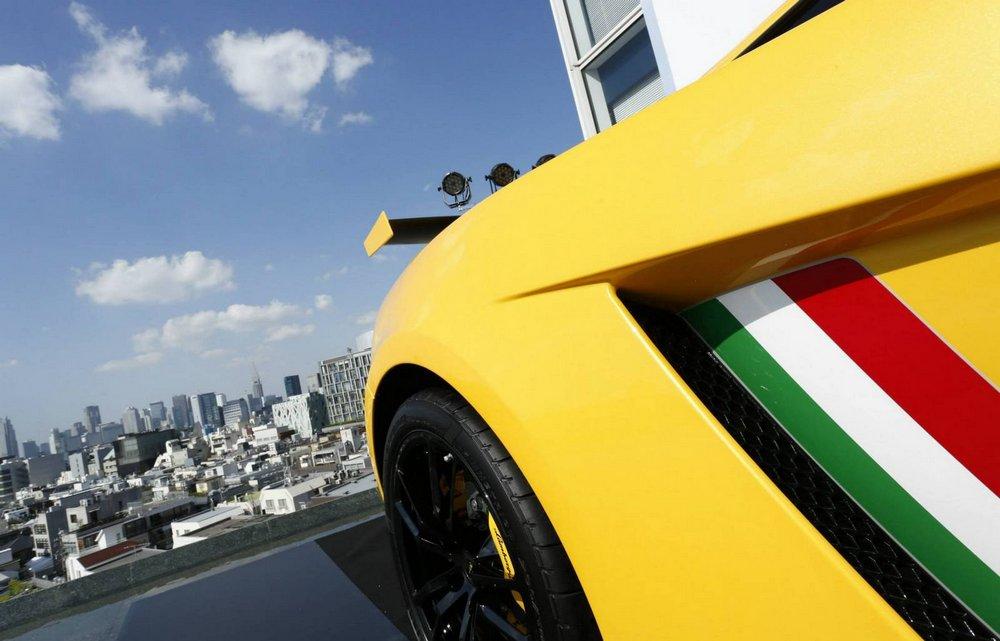 Lamborghini Gallardo 570-4 Squadra Corse-001