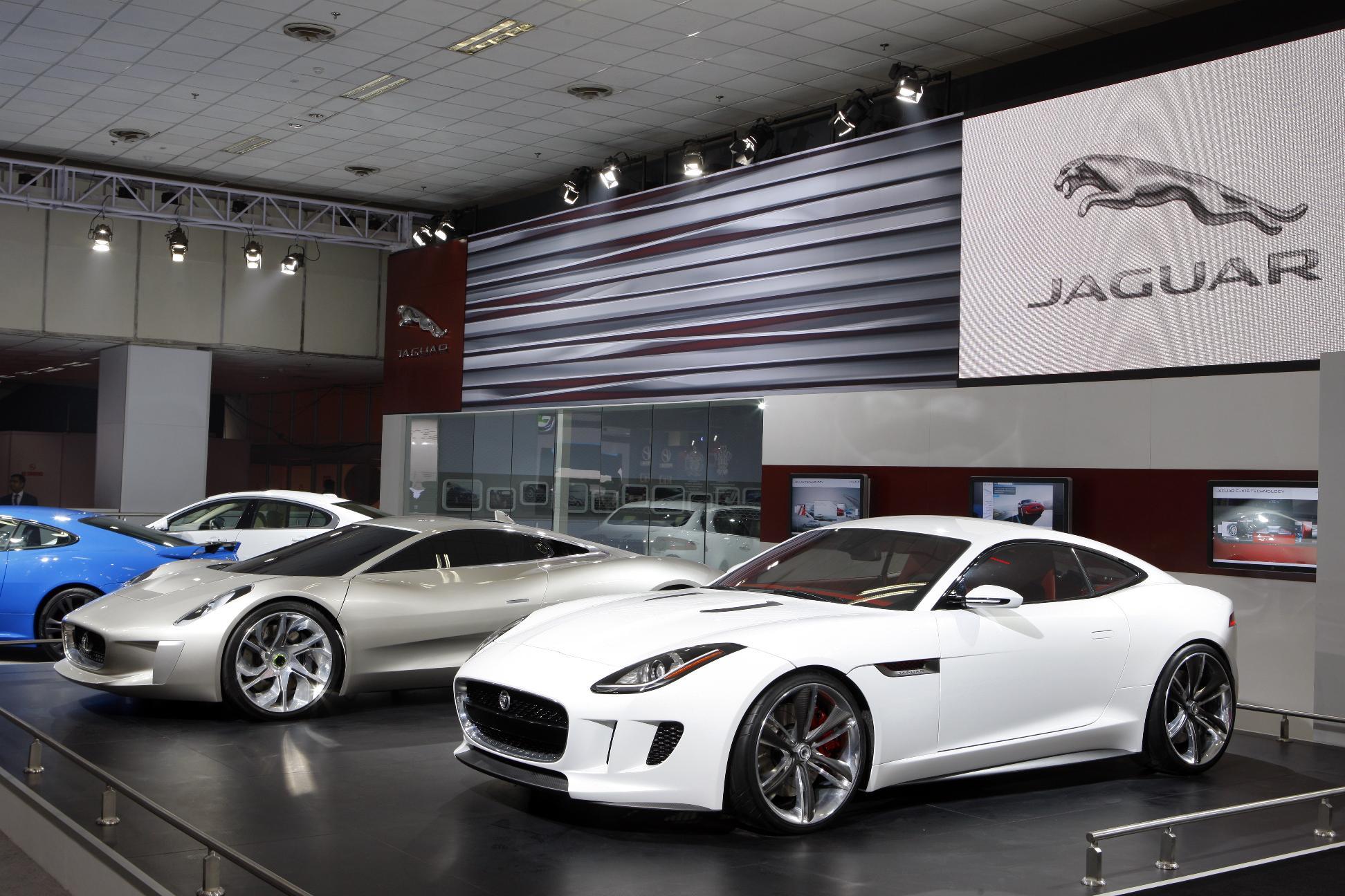 avant premi re la nouvelle jaguar f type coup speedfans. Black Bedroom Furniture Sets. Home Design Ideas
