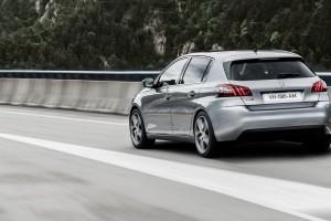 Peugeot-308_2014_1
