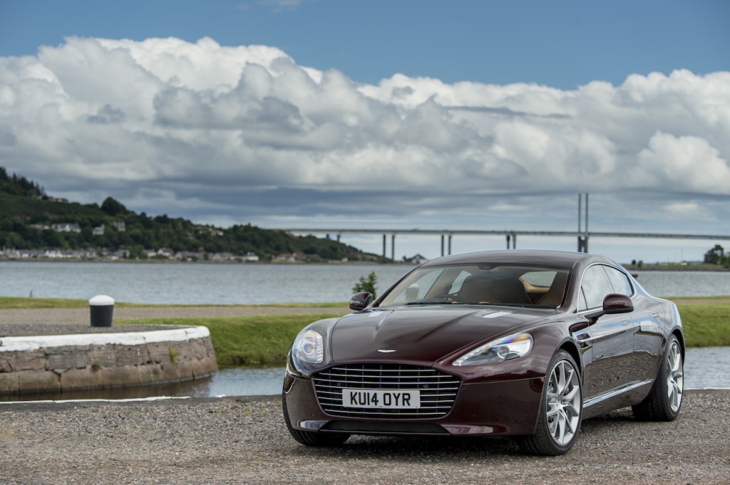 Rapide S in Divine Red_1