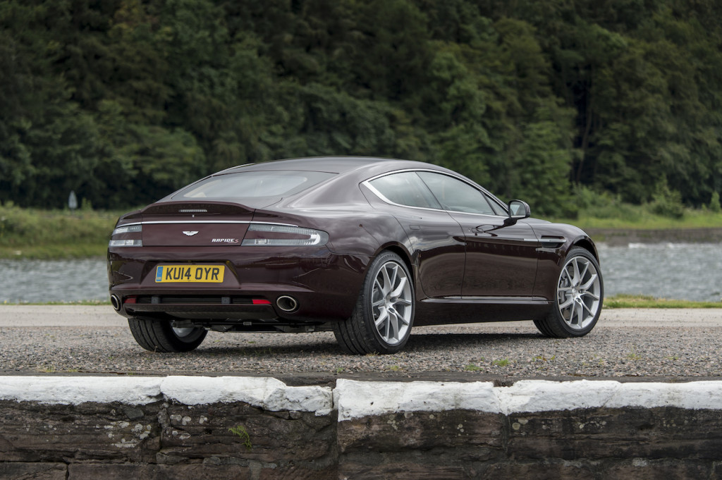 Rapide S in Divine Red_5