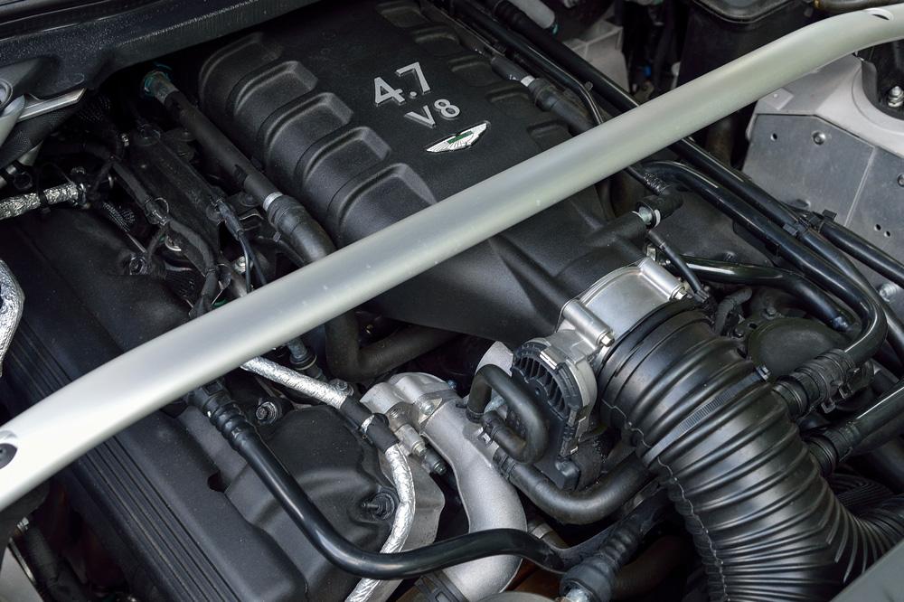 aston-martin-n430-moteur