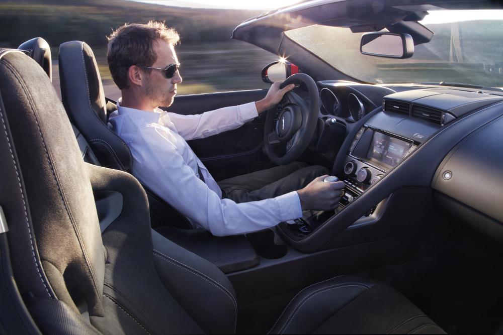 Jaguar promet des débattements de seulement 45 mn !