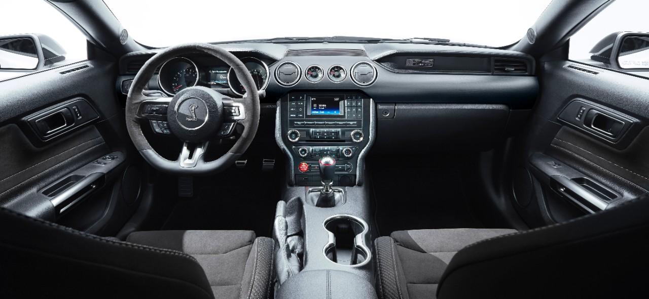 ShelbyGT350_10_HR