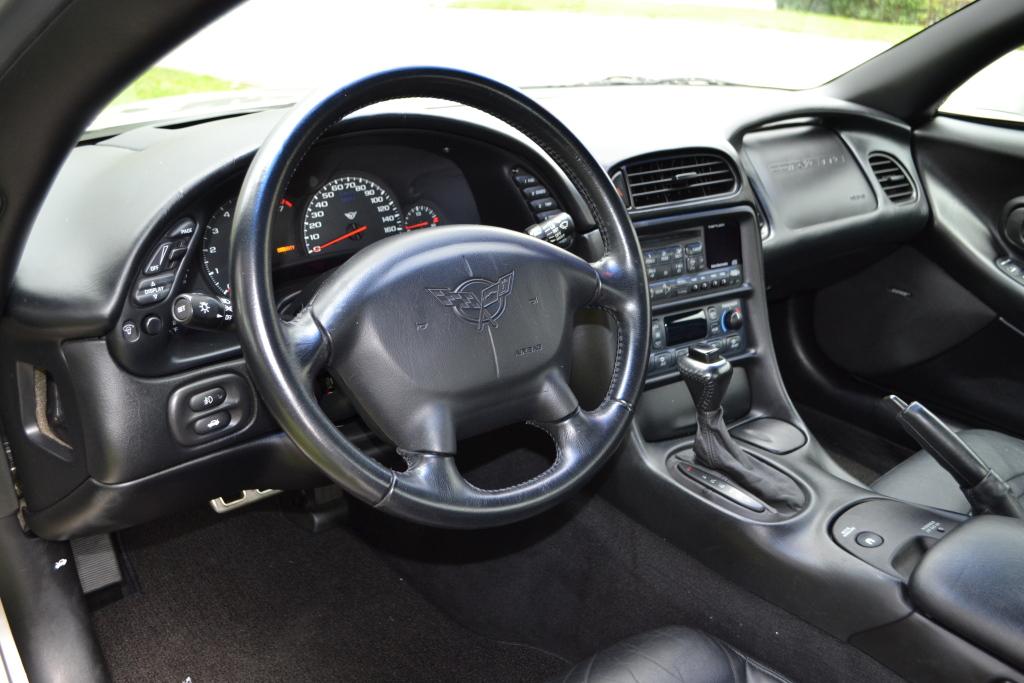 Chevrolet_Corvette_C5