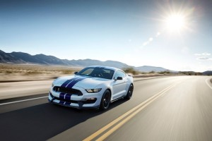 2016-ford-mustang_100489971_h