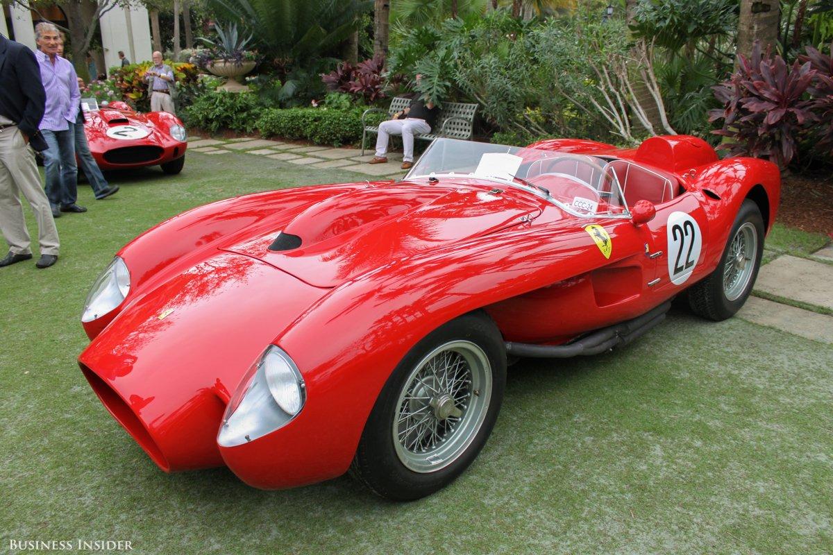 Ferrari Testa Rossa de 1958. Un exemplaire similaire a été vendu en 2011 : $16 400 000...