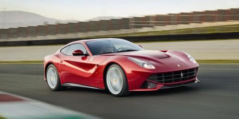 69722fer-120426_Ferrari_F12_10835