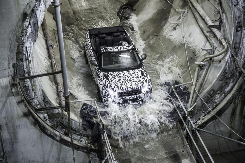 Range Rover Evoque Convertible Crossrail_4