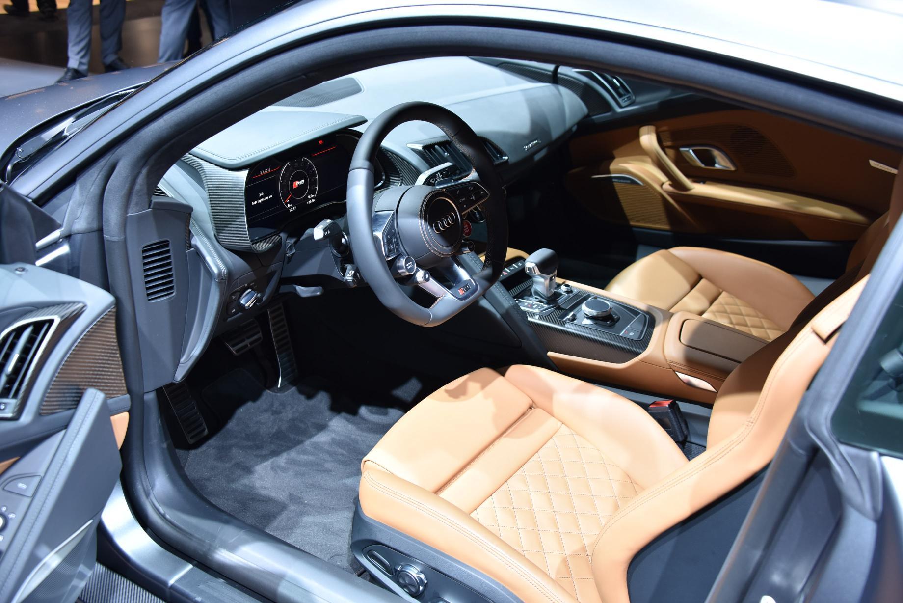 audi r8 2015 cockpit