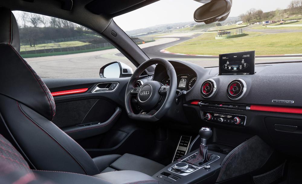 audi-rs3-cockpit