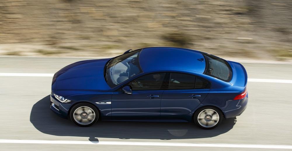 Jaguar_XE_Bluefire_041