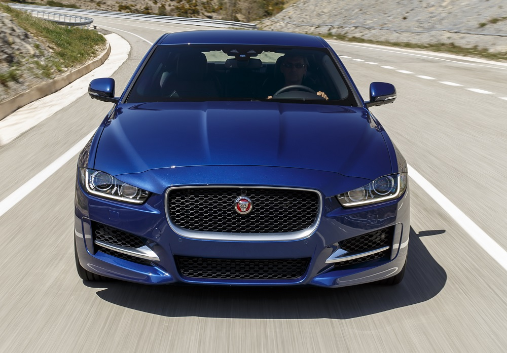 Jaguar_XE_Bluefire_face